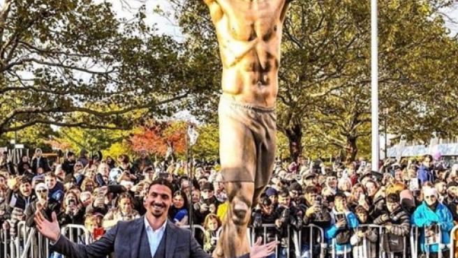 Ibrahimovic, en la inauguración de su estatua en Malmo