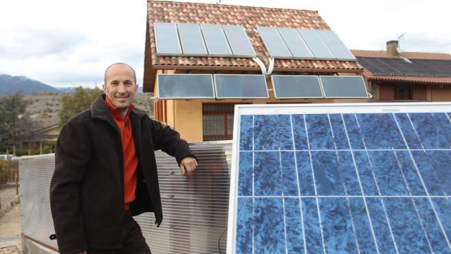 Liviu Birsan, propietario de una casa de consumo casi nulo.