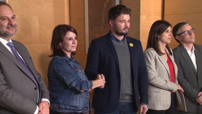 PSOE y ERC se reúnen en el Congreso