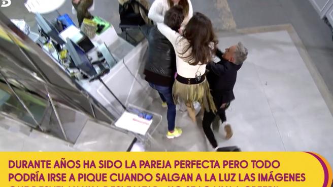 Paz Padilla sufre un incidente en 'Sálvame'.