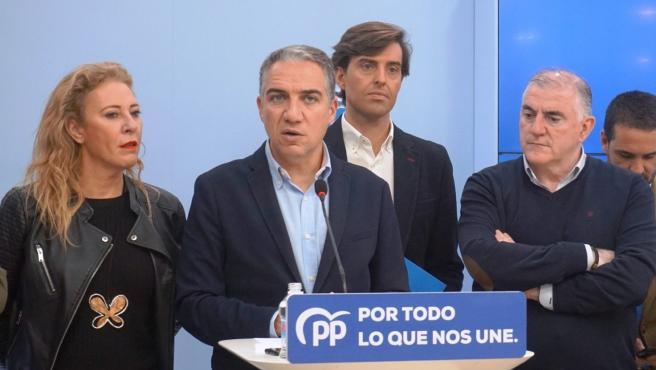 El presidente del PP de Málaga y consejero de la Presidencia de la Junta de Andalucía, Elías Bendodo, en una rueda de prensa.