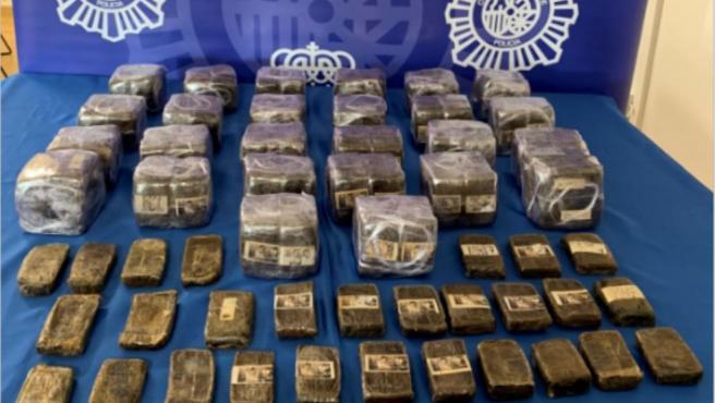La Policía concluye la 'Operación Tractor' con 25 detenidos y desmantela una red de distribución de hachís en Lugo.