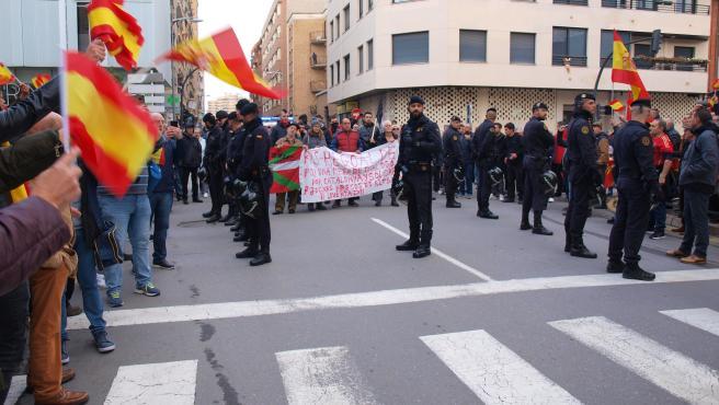 Manifestación en Calahorra en solidaridad con presos de Alsasua y de Cataluña se topa con contramanifestación