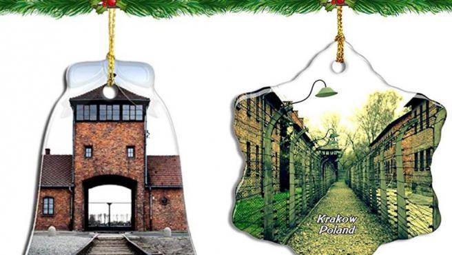 Imagen de los adornos navideños de Auschwitz que Amazon ha retirado de su página web.