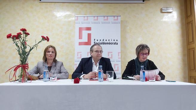 Antonio Miguel Carmona presenta la Fundación Socialdemócrata de Galicia