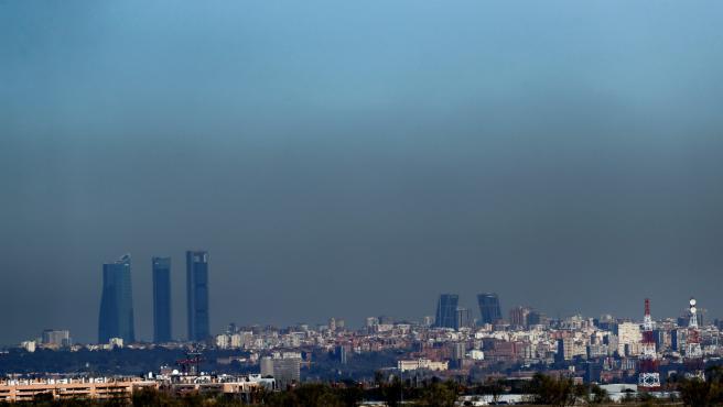 Vista de Madrid, cubierta por una boina de contaminación.