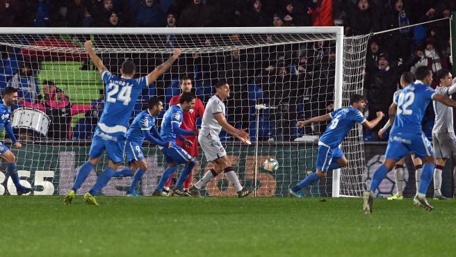 El Getafe celebra uno de los goles al Levante.