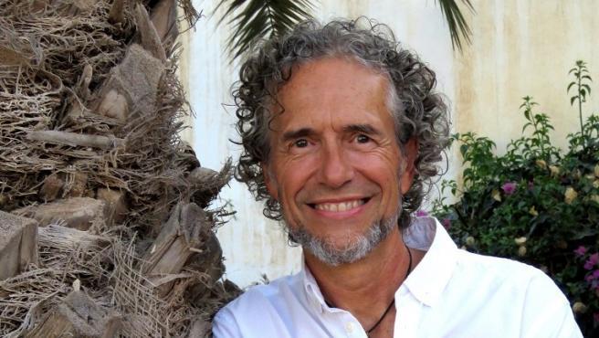 El periodista y escritor César Javier Palacios, autor de 'Natural mente'.