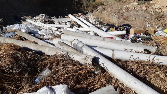 Escombros en una parcela de Málaga