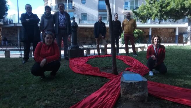 La plataforma 'Taula per la Sida' ha celebrado un acto en recuerdo de quienes han fallecido por el VIH y quiene actualmente padecen esta enfermedad.