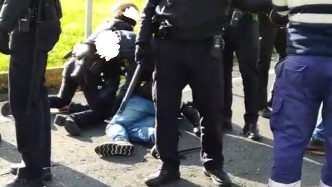 Detenido y herido un transportista del carbón en un altercado con agentes de la Policía Nacional en Ferrol.