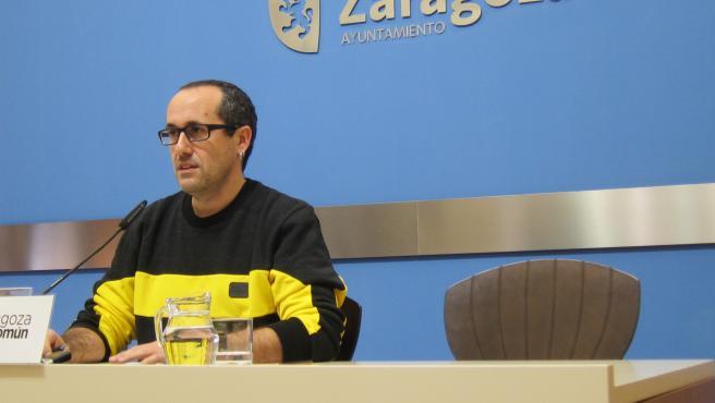 El concejal del grupo municipal de Zaragoza en Común (ZeC) Ayuntamiento de la capital aragonesa, Alberto Cubero.