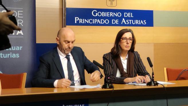 El consejero Juan Cofiño, y la viceconsejera de Cambio Climático, Nieves Roqueñí.