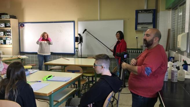 Momento de la grabación del cortometraje sobre el día a día de alumnos con discapacidad auditiva