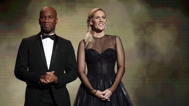 Didier Drogba fue el encargado de conducir la gala del Balón de Oro junto a Sandy Heribert. El exjugador marfileño se descubrió como un auténtico showman.