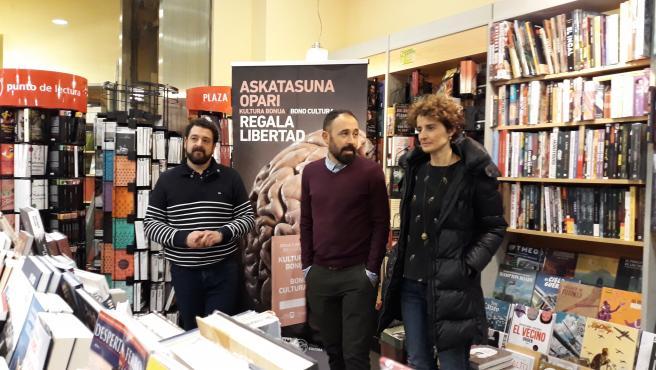Adolfo López Chocarro, Denis Itxaso y Mari Jose Telleria presentan el Bonocultura