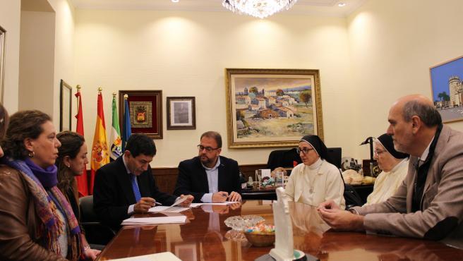 El alcalde de Mérida firma la compra del Convento de las Concepcionistas