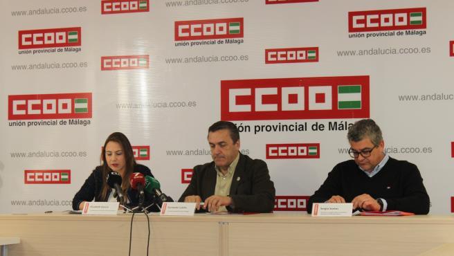 El secretario general de CCOO de Málaga, Fernando Cubillo; la secretaria de Afiliación y Servicios de CCOO de Andalucía, Elisabeth García, y el responsable de Empleo y Nuevas Realidades Laborales de CCOO de Andalucía, Sergio Santos