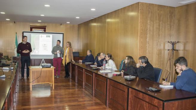 Encuentro en Estepa entre Ayuntamiento e Inpro para el despliegue de la e-administración