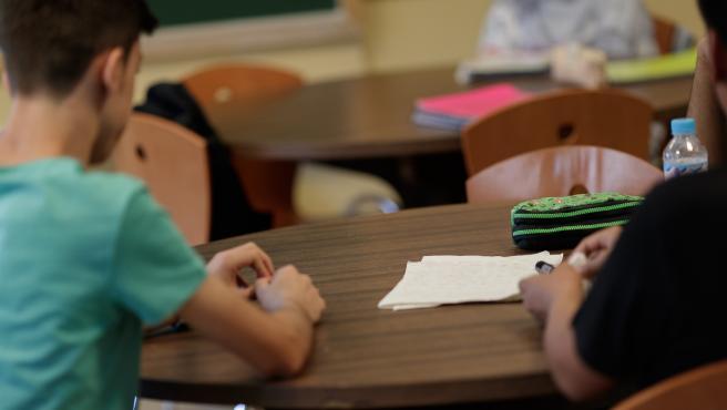 Estudis, estudiants, classes, col·legi, escoles, aules (arxiu)
