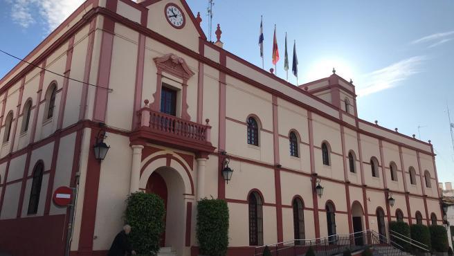 Fachada exterior del Ayuntamiento de Alcalá de Guadaíra (Sevilla)