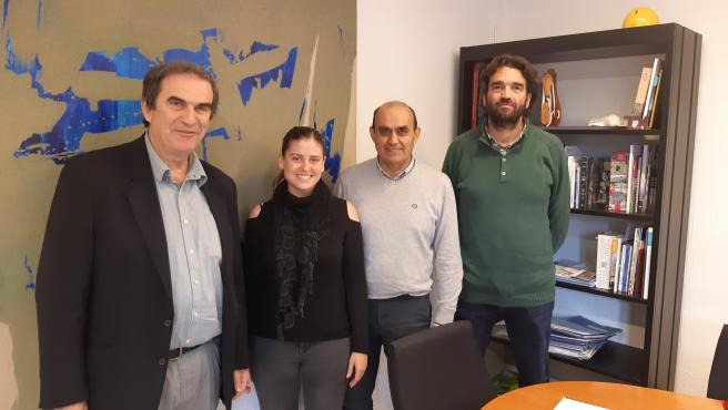 Josep Manchado, director insular de Medio Ambiente, y Aurora Ribot, consellera de Sostenibilidad y Medio Ambiente, con Toni Serra, alcalde de Muro, y Jaume Ramon Nadal, técnico medioambiental de Muro.