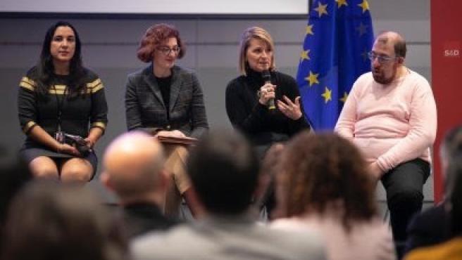 La eurodiputada 'popular', Rosa Estaràs, en el Día de las Personas con Discapacidad