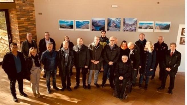 Representantes de la Conselleria de Educación, de la Diputación de Lleida y de los ayuntamientos de la Pobla de Segur y de Torre de Capdella