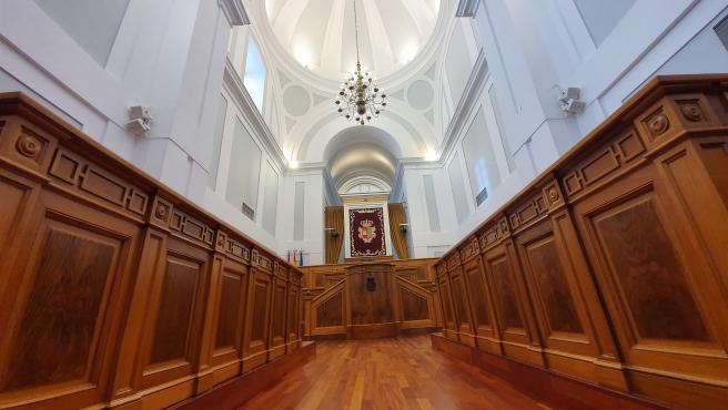 Salón de plenos de las Cortes de C-LM.