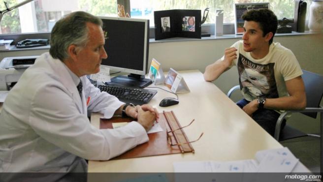 El piloto marc márquez y el doctor Mir