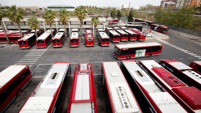 Flota de autobuses de la EMT de València.