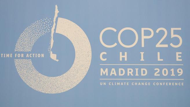 Logo de COP25 2019 en uno de los pabellones de la Feria de Madrid, IFEMA, en los preparativos de la Cumbre del Clima que comenzará el próximo día 2 de diciembre, en Madrid (España), a 29 de noviembre de 2019.