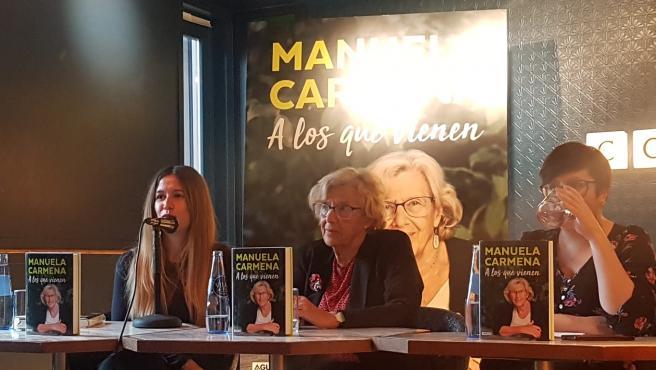 Manuela Carmena en la presentación de su libro en Madrid