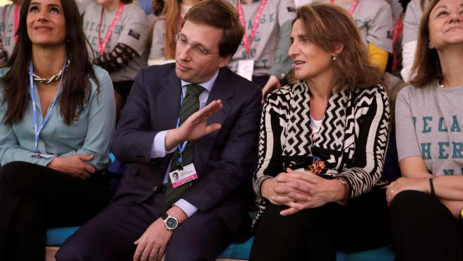 José Luis Martínez-Almeida, Teresa Ribera y Begoña Villacís durante un acto en la COP25.