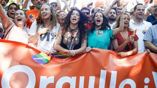 Arrimadas, Aguado y otros miembros de Cs en el Orgullo de Madrid