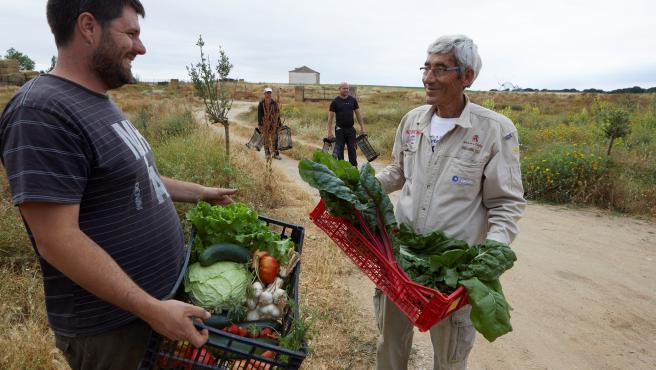 Trabajadores del mundo rural se benefician de las ayudas de La Caixa
