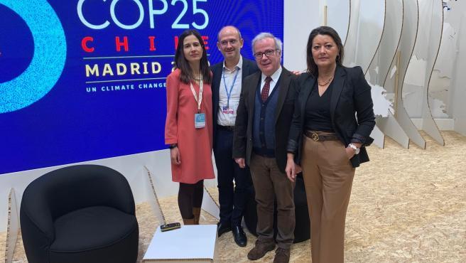 De izquierda a derecha, Beatriz Robles, José Miguel Herrera, Fernando Mier, de la ODECA, y Carmen Cobián.