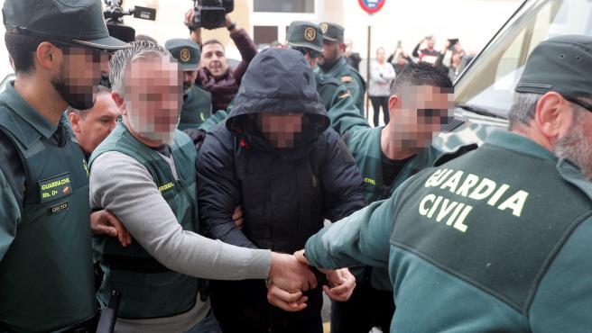 Jorge Ignacio P.J., de 38 años, a su llegada al Juzgado 6 de Alzira.