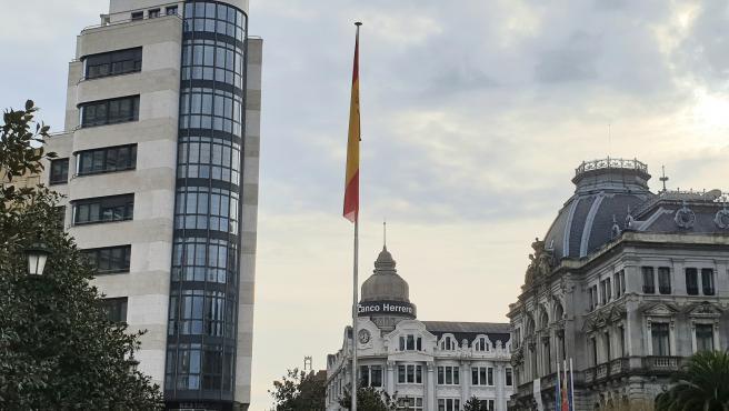 El Ayuntamiento instala este viernes, 6 de diciembre, la bandera de España en la Escandalera coincidiendo con el Día de la Constitución