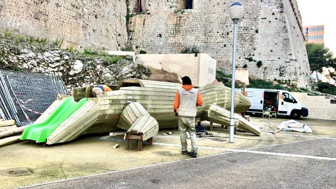 Una lagartija de madera será el elemento central del nuevo espacio de ocio infantil en la plaza de Sa Tarongeta (Ibiza)