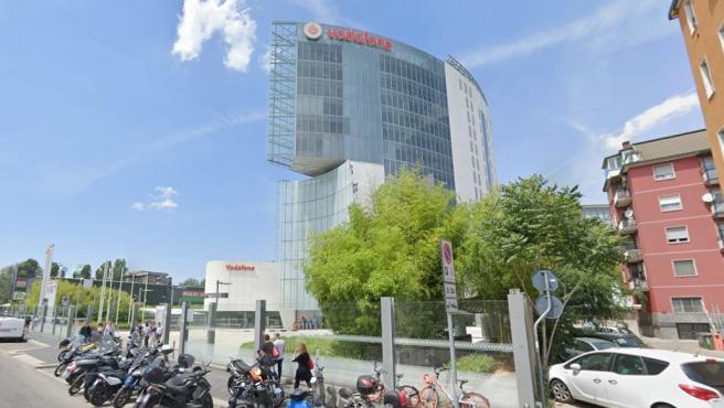 Imagen de la sede de la compañía Vodafone en Milán.