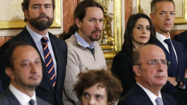 Inés Arrimadas, el pasado viernes junto a Pablo Iglesias e Iván Espinosa de los Monteros.