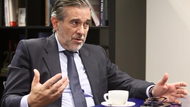 El consejero de Justicia, Interior y Víctimas, Enrique López, durante la entrevista con 20 Minutos.