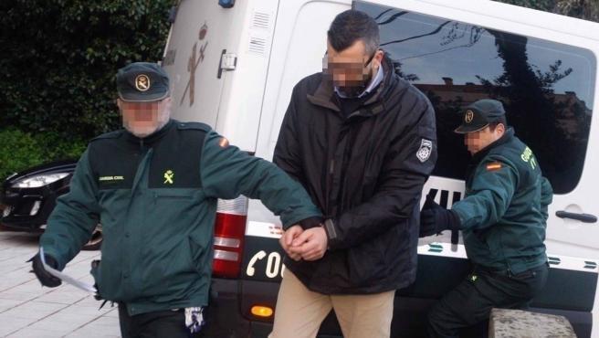 El presunto asesino de Ana Enjamio es trasladado a los juzgados donde se va a celebrar el juicio, en Vigo a 9 de diciembre de 2019.