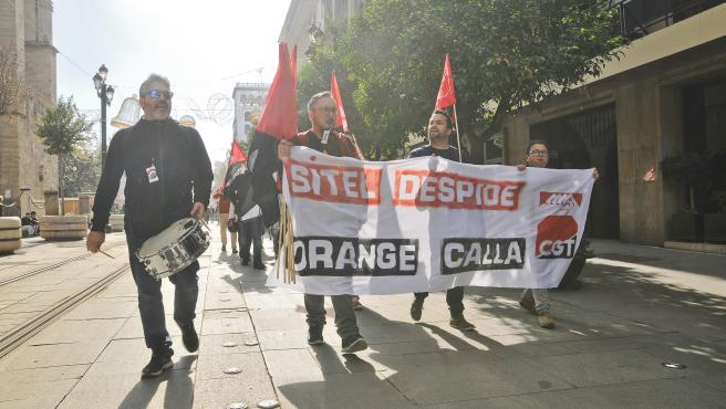Nueva reunión este lunes en Madrid por el ERE de Sitel para despedir a 300 teleoperadores