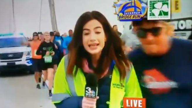 El maratoniano que dio una palmada en el trasero a una periodista.