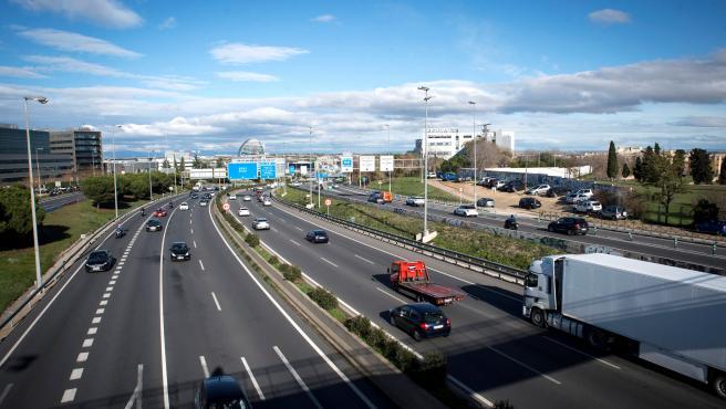 Circulación en la A1, carretera de Burgos, durante el Puente de la Constitución.