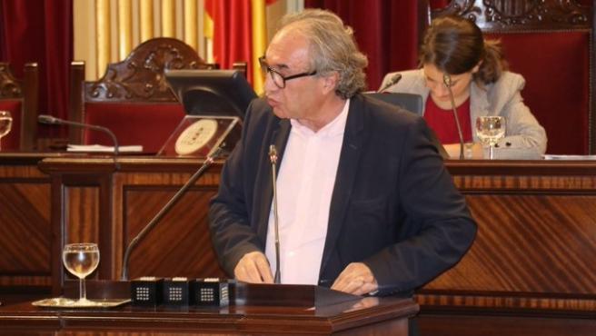 El conseller de Educación, Martí March, en el Parlament