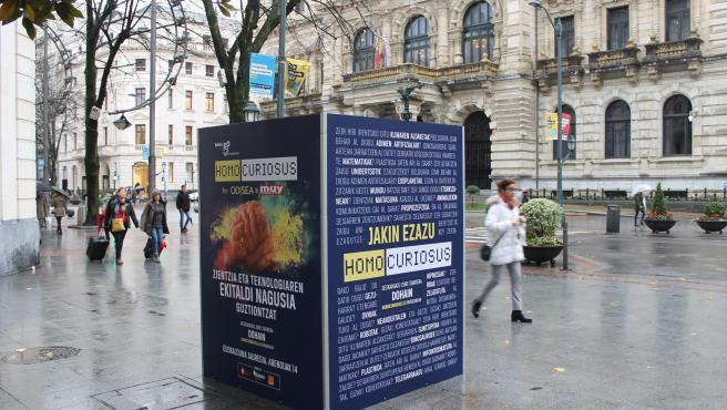 Publicidad en Bilbao del evento 'Homo Curiosus'.