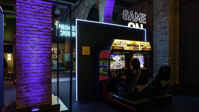 Uno de los espacios de la exposición 'Game On' en la Fundación Canal de Madrid